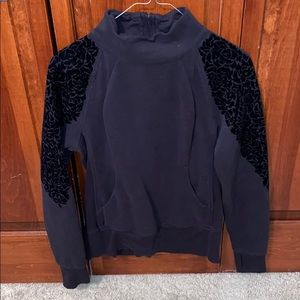 LULU LEMON black pullover size 6